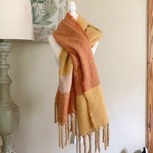 Steve Madden Color block blanket scarf wrap fringe